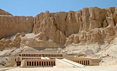 El-Deir El-Bahri - Distant View